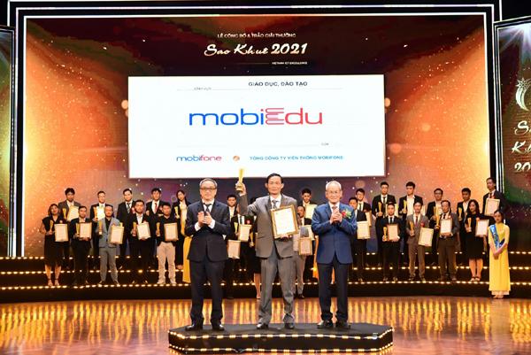 mobiEdu - lộ trình luyện thi ưu việt cho học sinh lớp 12